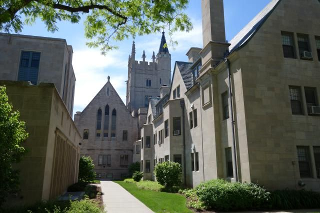 Northwestern University scholarship, admissions, and financial aid information