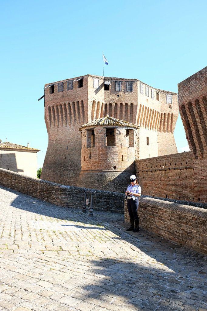 The guardian of  the castle, Mondavio PU Italy (© Luigi Gallo)