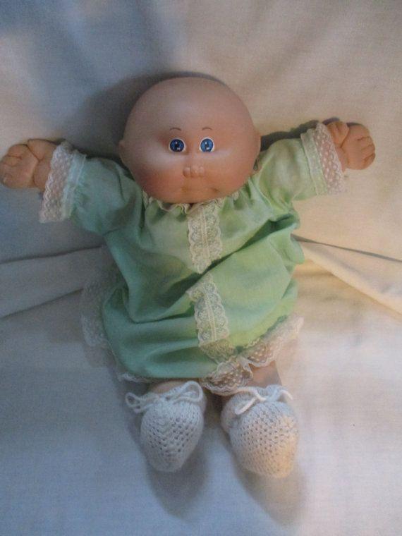 Remiendo de la col del cabrito  Calvo bebé traje verde