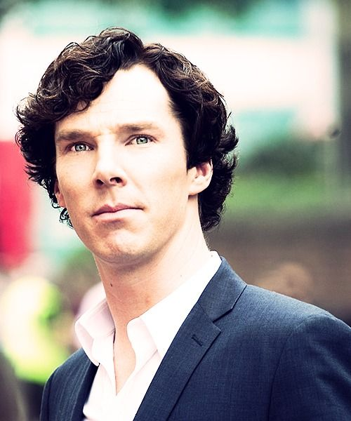 Now that is a beautiful man. Sherlock, the Greatest. BBC filming Sherlock season 3, London 8/21/2013