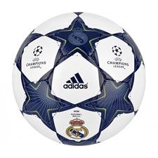 Balón Real Madrid  http://navidad.decathlon.es/ideas-regalo/para-el