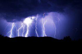 What Causes Lightning? | Wonderopolis