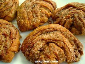 Tahinli çörek tarifi Tahinli çörek nasıl yapılır   Tahini pek çok tarifte kullanmama rağmen, belki de çocukluk yıllarımdan kalma bir...