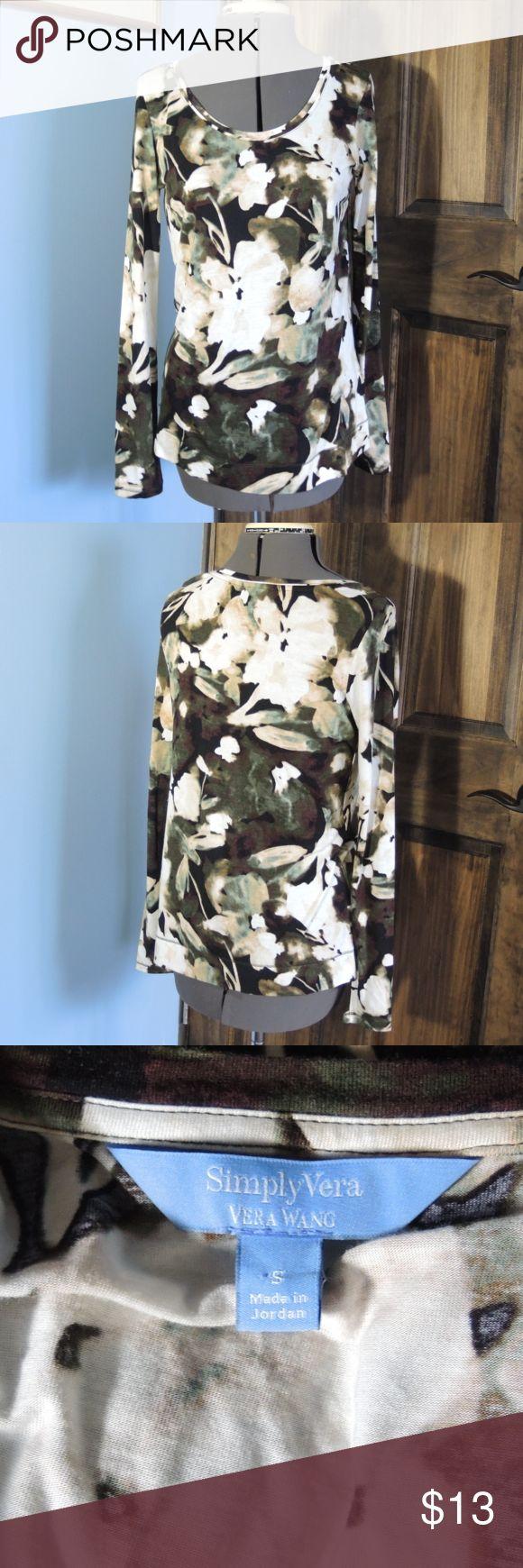 Simply Vera Wang Tunic style top Simply Vera Wang Tunic style top. Floral abstract print Vera Wang Tops Tunics