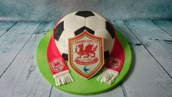 Cake Design Cardiff : 69 best images about Birthday cakes on Pinterest Bingo ...