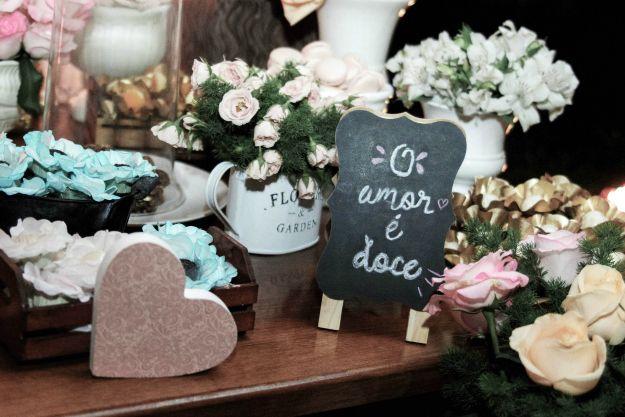 Decoração para mesa do bolo: linda inspiração para casamento rústico, boho ou vintage