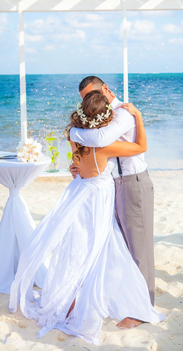Thinking of a beach wedding in Mexico? Wondering if the all-inclusive resort is for you? (Wedding Photography by Fun In The Sun Weddings)http://www.funinthesunweddings.com/advice-blog/what-every-bride-should-know-about-all-inclusive-weddings
