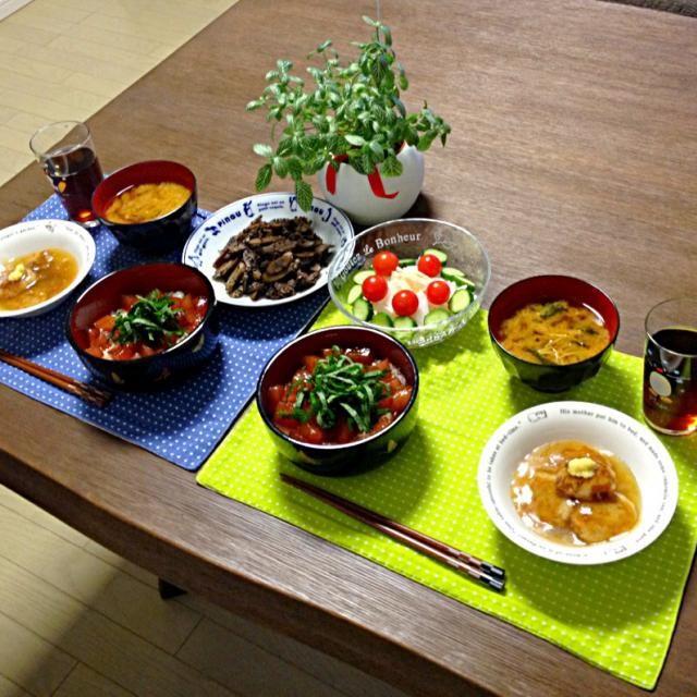 ザ・和食です! 漬け鮪丼の漬けダレ、めっちゃ美味しいわぁ。 (^O^) - 17件のもぐもぐ - 蓮根まんじゅう、漬け鮪丼、牛肉と牛蒡のキンピラ、大根サラダ、えのきのお味噌汁 by pentarou