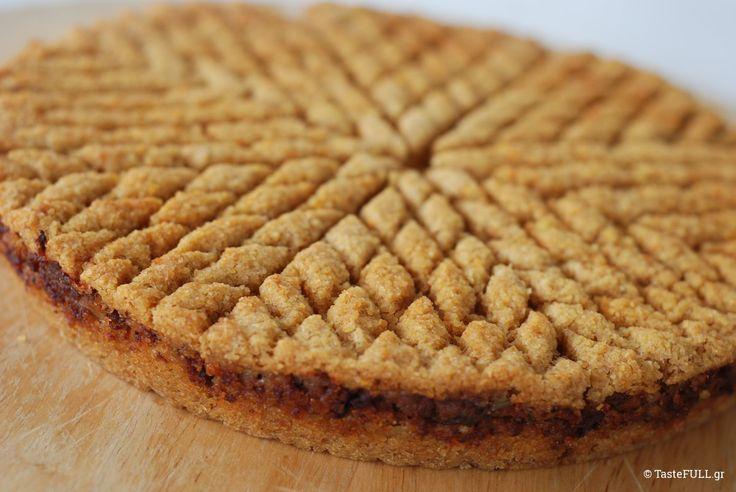 Όχι μόνο πίτα με φύλλο ή χυλό! Τώρα μπορούμε να κάνουμε χορταστική πίτα με πληγούρι και όποια γέμιση έχουμε διαθέσιμη.