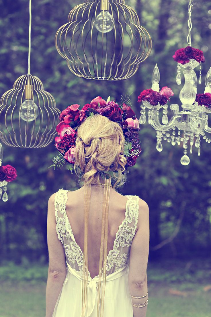 Mix bold statement chandeliers in vintage patterns with classic crystal for a glam bohemian style. #wedding #distinctoccasions