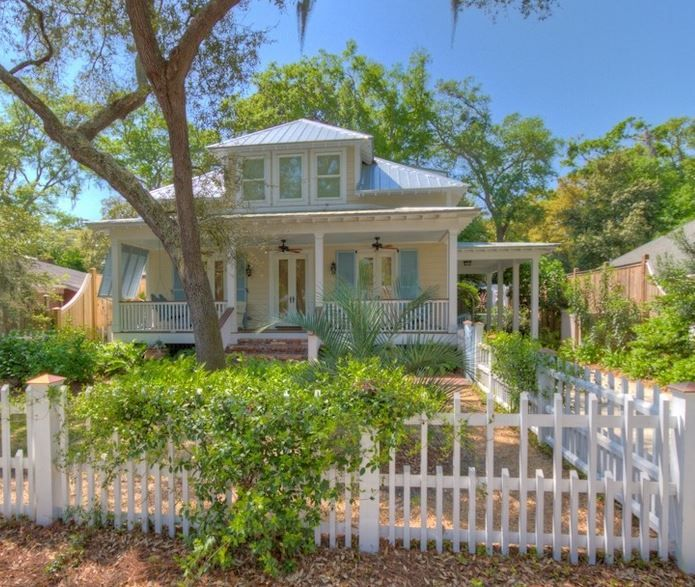 Look For Rental Homes: Rental On St. Simons Island / Color Of House And Shutters