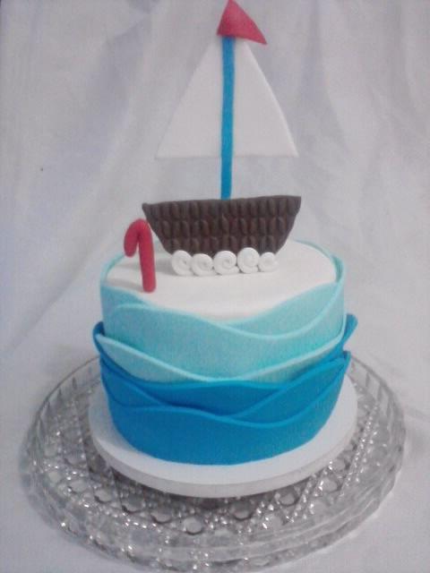 """""""O barco do Pedro"""" Bolo para comemorar o primeiro aninho do Pedro.#mar #praia #oceano #baby #boy #cake #NeiaLucincake #love"""