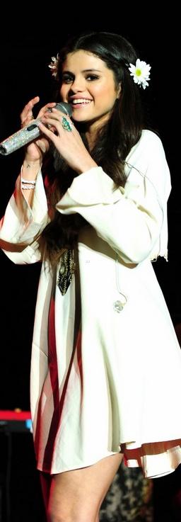 #White Long Dress #alice257891 #long fashion #white dress www.2dayslook.com