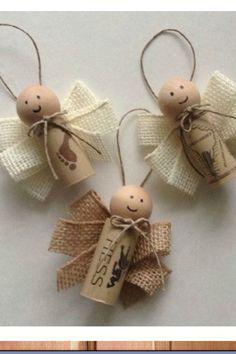 ¿Qué tal estos Angelitos hechos con corchos de vino y ARPILLERA? Conseguí esta tela aquí-> www.telavendo.com.ar