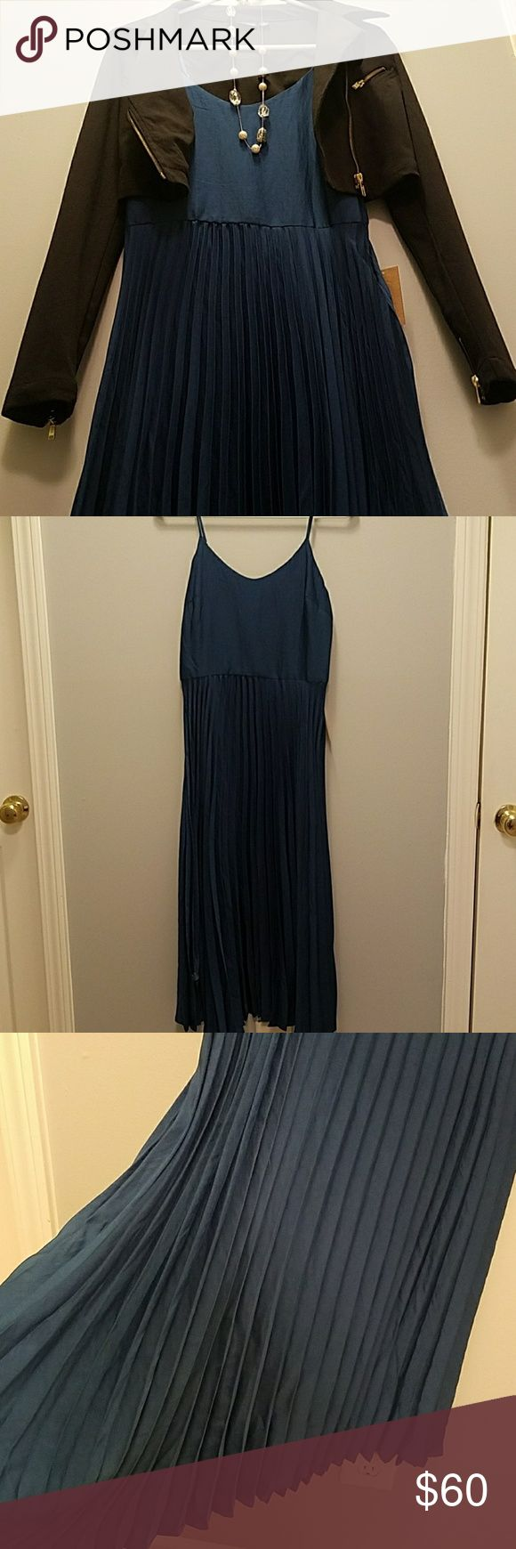 Rachel Roy Dress NWT Deep teal- Adjustable Spaghetti Strap- light weight- pleated flowy skirt with solid top-Glossy look- Super Cute!! RACHEL Rachel Roy Dresses Midi