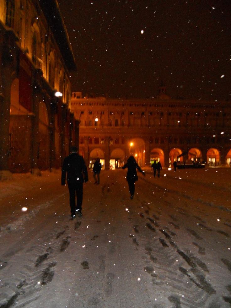 Sliding in Piazza Maggiore