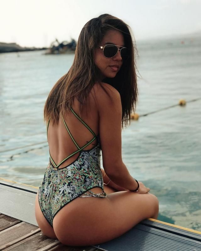 Latinas Calientes Sexys Hot Piernonas Caderonas Cute Beautiful Positivas Promedio De Barrio Bikini Hilo Dental