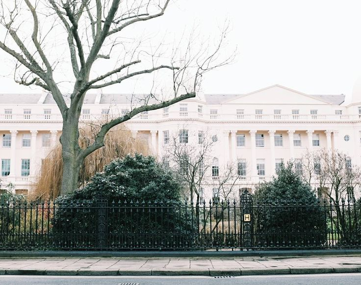 This school  . . #wandering_london  #london #thisislondon #ilovelondon #igerslondon #london_only #visitlondon #regentspark #passionpassport #thatsdarling #darlingweekend #getoutdoors #justgoshoot #calmversation #kinfolk #agameoftones #peoplescreatives #exploreeverything #vsco #vscotravel #liveauthentic #createexplore #rsa_architecture #런던 #여행 #유럽 #유럽여행 #일상 by wanderies_
