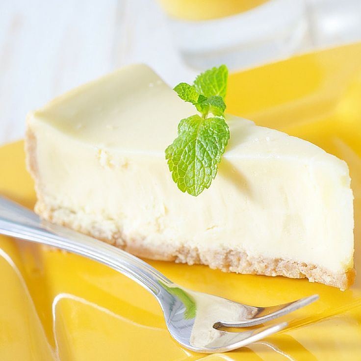 Coconut Maca Cheesecake A healthy version of the delectable cheesecake, rich in healthy, brain and gut loving fats and fibre. This cheesecake has minimal ingredients & requires no baking. So good