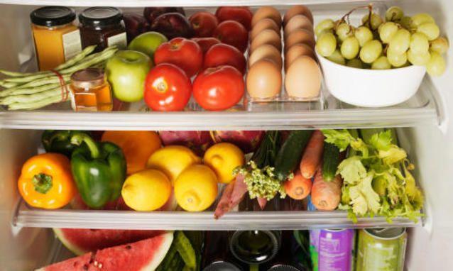 Ecco tutti gli alimenti che non vanno (mai) messi nel frigorifero. Si rovinano, perdono sapore e consistenza. Quindi abbiamo sempre sbagliato?