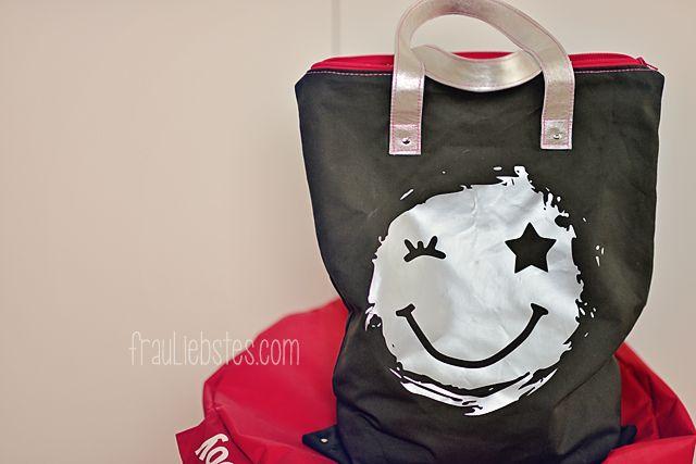 frau liebstes: a little smile for YOU! Freebie - smiley
