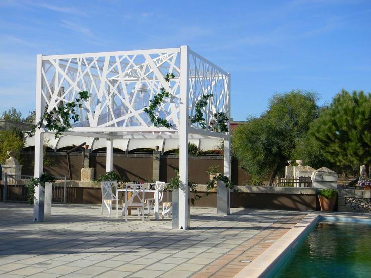 Beschattung Terrasse Garten Sonnenschutz Modern Design Pergola Weiss