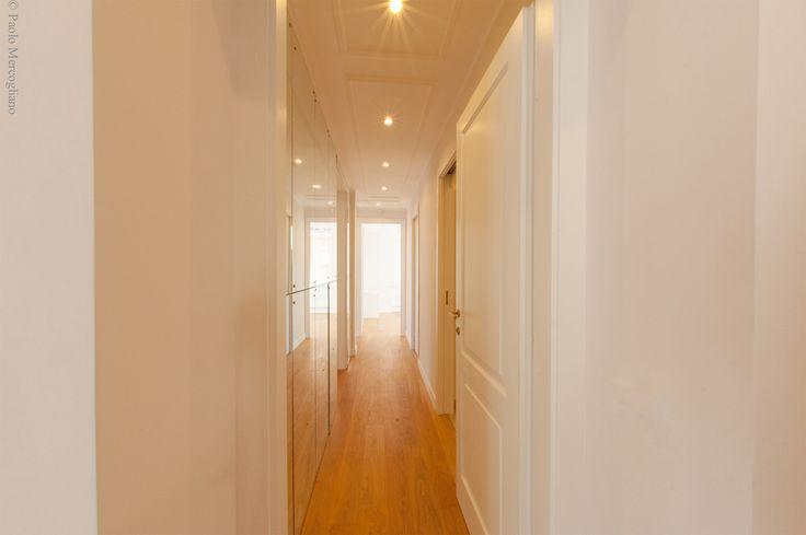 Corridor: Increasing depth and light reflection