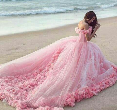 Pretty dress....I love this dress
