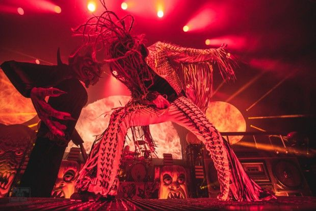 Review + Photos: Korn & Rob Zombie at Riverbend Music Center http://cincymusic.com/news/2016/08/korn-and-rob-zombie-bring-nu-metal-nostalgia-to-riverbend