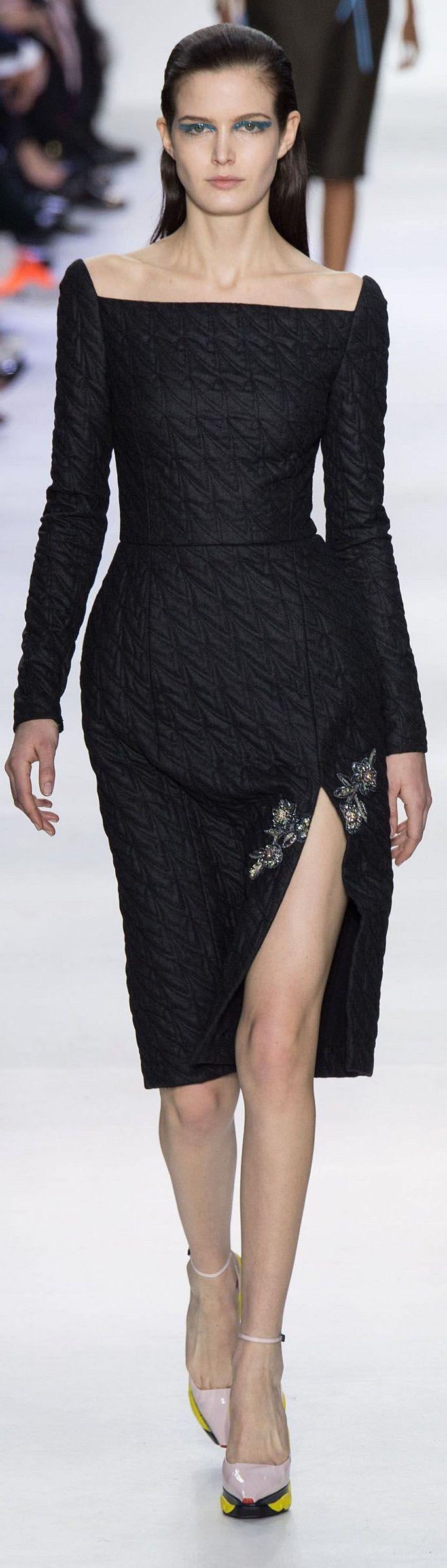 Christian Dior cruise | #highfashion #inspiration #moderndesign luxury design, luxury, fashion. Visit www.memoir.pt