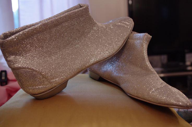 Super sparkly shoe boots.