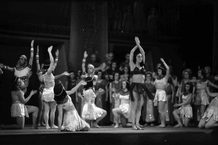 25Bukarest.Nationaltheater.Szene aus Aida, Tanz mit Maria Livezeanu.04.1942