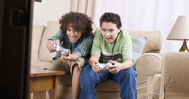Como ligar e desligar um DLC em um Xbox 360. O Xbox 360, assim como os outros consoles modernos, oferece conteúdos para download (DLC) para os seus jogos. Esse material adicional pode ser adquirido através do seu Xbox 360. Ele inclui recursos como novas missões, novos personagens e mapas adicionais para os jogos multiplayer. Uma vez baixado, o DLC é instalado automaticamente e, além disso, ...