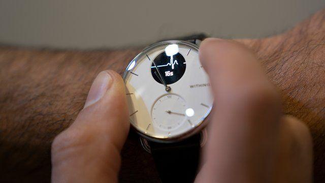Alarm Bei Atemstorung Smartwatch Erkennt Schlafapnoe In 2020 Mit Bildern Smartwatch Schlafapnoe Handy