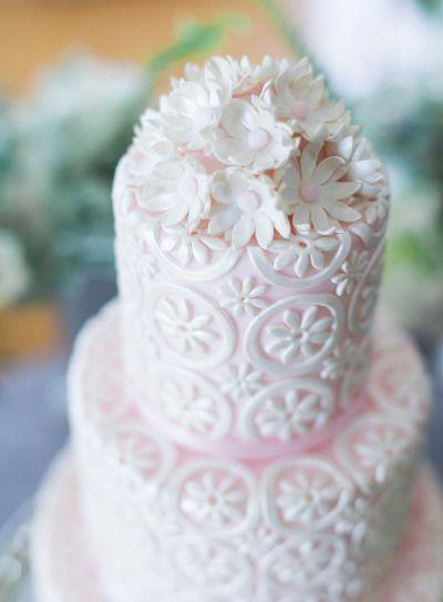 Missouri Inspiration Shoot At Longview Farm Autumn Wedding CakesFloral