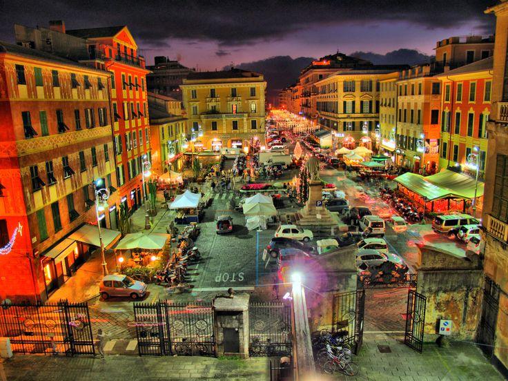 Chiavari - Piazza Garibaldi (o delle Carrozze) vista dalla terrazza di Villa Rocca.