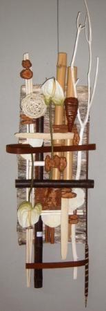 tapiz artesanal con materiales naturales, tratados y coloreados. cuadro pequeño ref. cpn1 telas fibras naturales,madera tallada bambu,rattan troncos frutos . pegado clavado