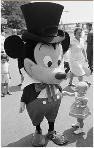 The original Mickey Mouse at the parks makes me laugh so much. So glad Walt decided to change it.