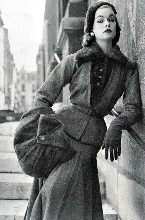 Jacques Fath for Vogue France 1952.                                                                                                                                                                                 Plus