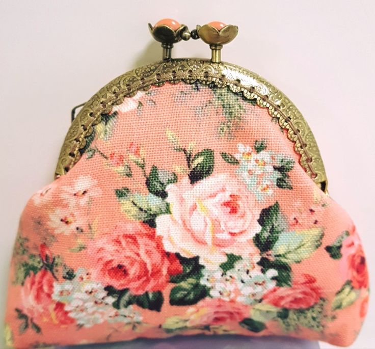 Lovely rose kiss lock purse entirely handstitched