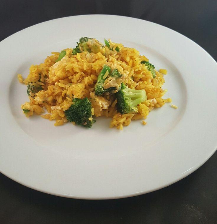 Stekt ris med egg og grønnsaker