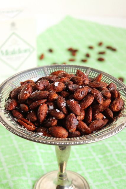 Sweet, slightly spicy maple roasted almonds, quick and easy for those ...
