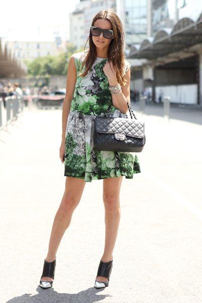 FASHIONVIBE: Fashion Style, Women Handbags, Bold Prints, Fashion Design, Fashion Week, Design Handbags, Summer Dresses Street Style, Floral Dresses, Floral Prints Dresses
