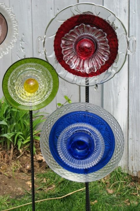old plates, cups, saucers repurposed into garden flowers. My aunt made stuff like these but way cooler when she was here.