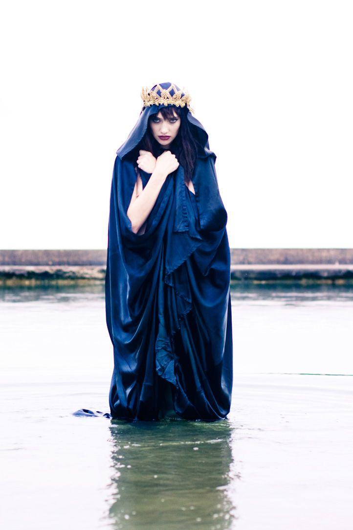 #NMFallTrends: Inspiration, Blue Queen, Crowns, Avalon Medieval, Fantasy Fairytales Mythes, Dark Queen, Lake, Evil Queen