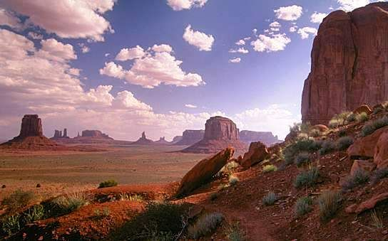 Arizona Navajo and Hopi Reservations   The largest Native American reservation in the country covers over 27,000 square miles in northeastern Arizona and smaller adjoining parts of Utah and New Mexico. A world unto itself, the Navajo Nation is large enough to contain the smaller Hopi Reservation and world-famous sights such as Monument Valley and Canyon de Chelly National Monument, with vast land to spare.