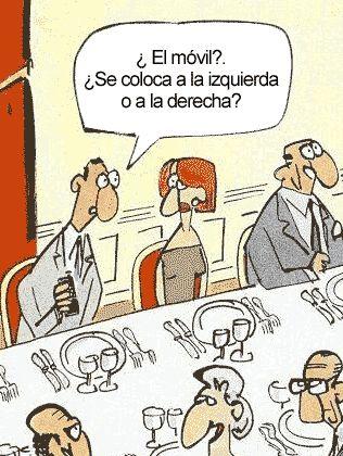 #Humor > Protocolo para uso del teléfono móvil durante las comidas en grupo