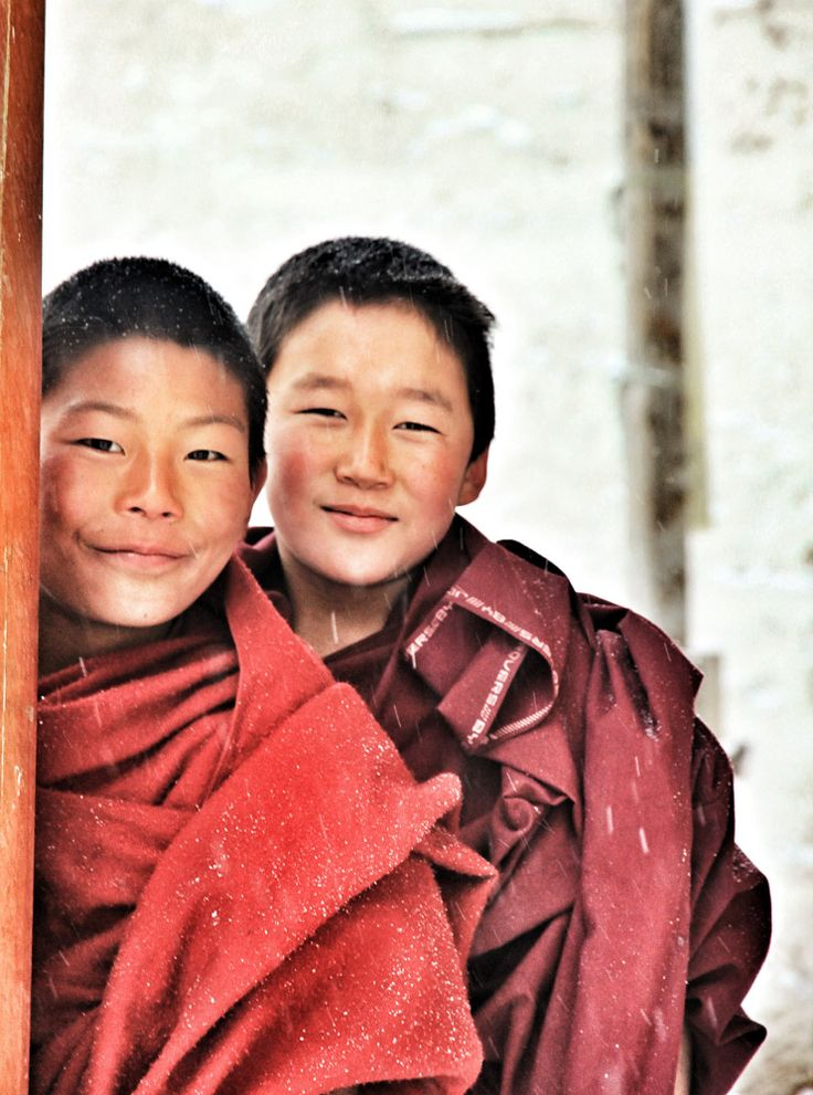 When traveling around the world you come across some great people, heres some portrait from ssome of the people i have meet on my trips #tibet #monks #portrait