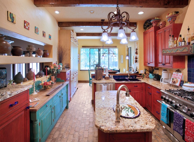 Turquoise and red decor will be my new kitchen colors...