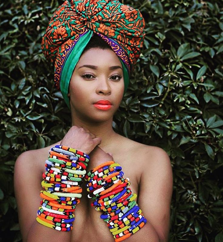 African Prints in Fashion - There is no such thing as too many bangles. RP...